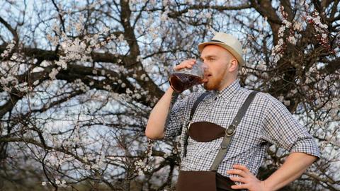 Beer connoisseur drink dark beer GIF