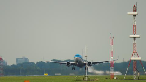 Boeing 737 KLM after take-off Live Action