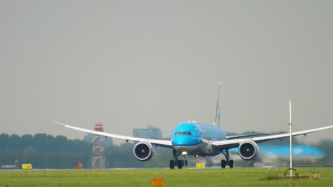 KLM Boeing 787 Dreamliner taking off Live Action