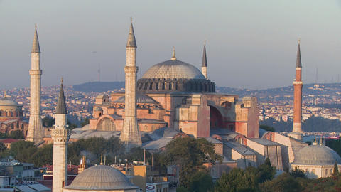 The Hagia Sophia Mosque in Istanbul, Turkey, at du Stock Video Footage