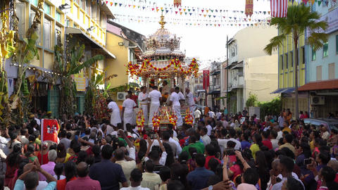 Devotees witness sending back Lord Muruga back to temple from silver chariot Live Action