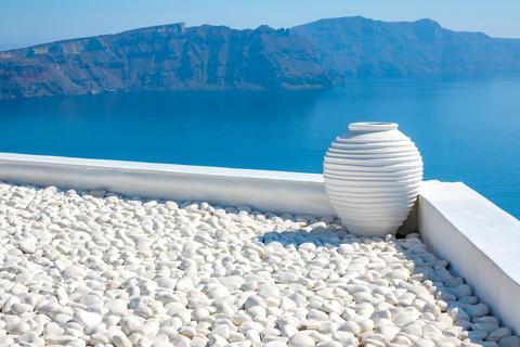 White Stone Vase and Sunny Islands Fotografía