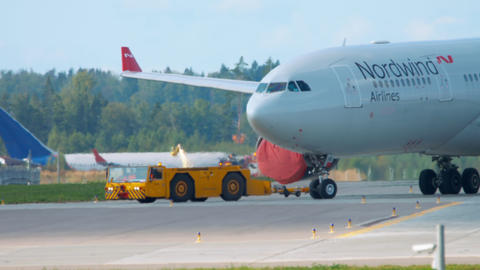 Airbus 330 towing to service Live Action