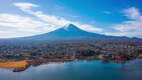 Mount Fuji on morning at Kawaguchiko Lake, Yamanashi, Japan ライブ動画