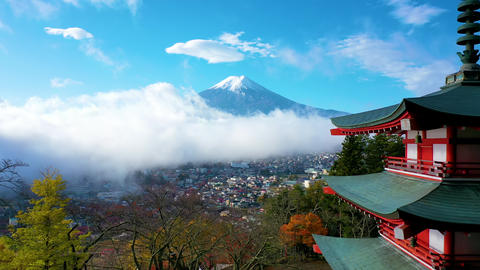 Mount Fuji and mist view from behind Chureito Pagoda on morning, Yamanashi, Japan ライブ動画