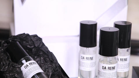 Diffuser & Perfume (5) Live Action
