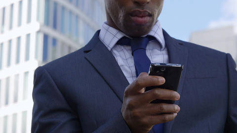 young African American Businessman Using Mobile Phone 영상물