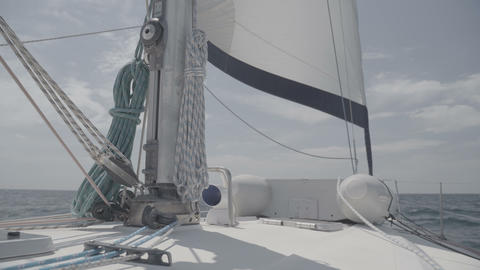 Mast on a yacht with sheets. S-Log3 Live Action