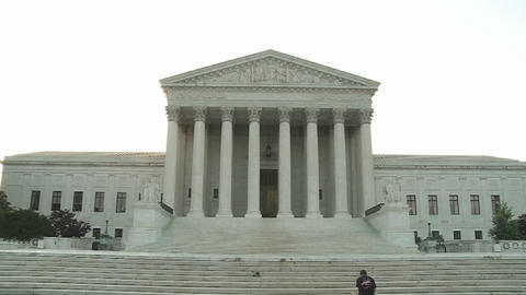 A zoom into the Supreme Court Building at Washington DC> Stock Video Footage
