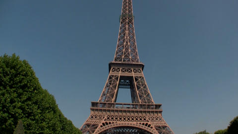 Handheld tilt up to Eiffel Tower, paris Footage