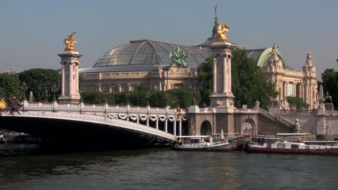The beautiful Ponte Alexandre bridge over the Sein Stock Video Footage