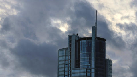 1080p Skyscraper Building / Corporate Building / Clouds and Sky Live Action
