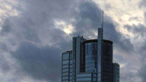 1080p Skyscraper Building / Corporate Building / Clouds and Sky Footage