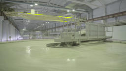 Large capacity with liquid at the time of production in factory Footage