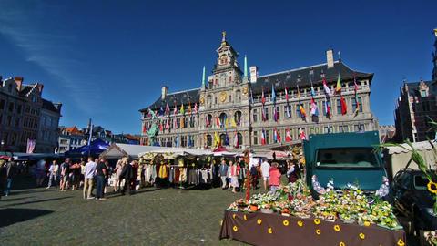 Street market in Grat Market square Live Action
