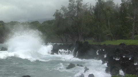 A large Pacific storm batters Hawaii with large waves Live Action