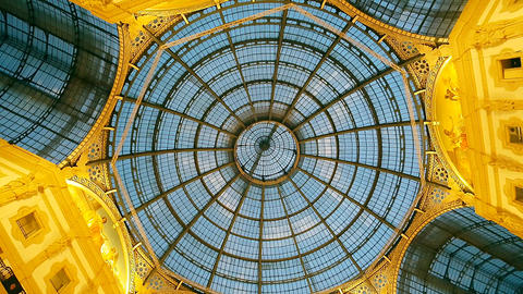 GALLERIA VITTORIO EMANUELE II, MILAN/ITALY - THE ARCADE - November 2016 Live Action