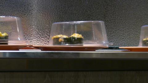 Sushi sashimi conveyor belt- Live Action