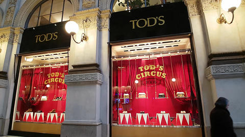 Christmas in Milan/Italy – Tod's Store - December 2016 afternoon Footage