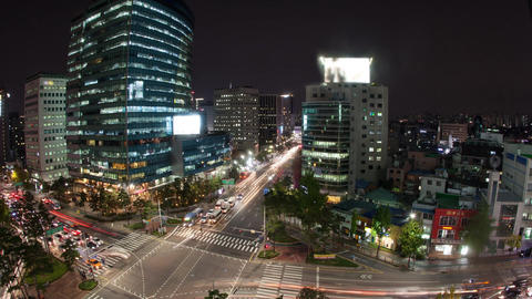Timelapse of traffic on night busy Seoul streets, South Korea Live Action