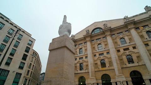 Borsa Italiana - Milan Stock Exchange - Milan/Italy (December 2016) Live Action