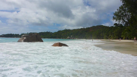 Waves at Anse Lazio, Seychelles in slow motion Filmmaterial