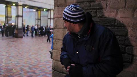 Criminal. Nervous drug dealer sell drugs woman.... Stock Video Footage