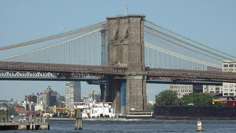 Boat And Brooklyn Bridge Live Action