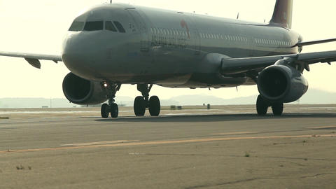 Airliner moving on the runway 04 Asiana Airlines Live Action