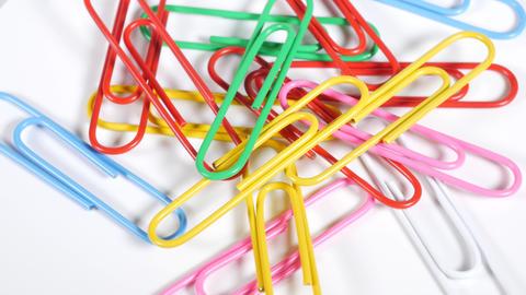 Color paper clip019 Live Action