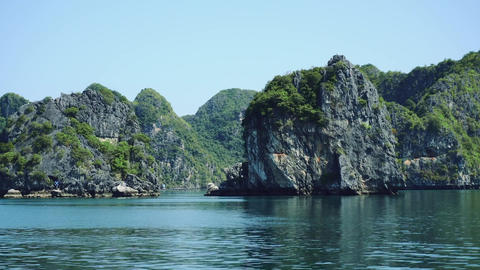 Cruise On Famous Halong Bay, Vietnam Live Action