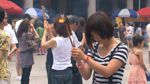 Praying at Jing'an Temple Stock Video Footage