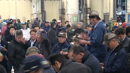 Tuna auction, crowd, people, busy, shouting, Japan Stock Video Footage