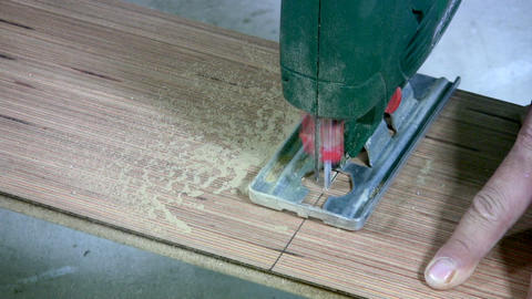 Sawing laminate Footage