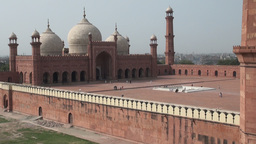 Badshahi mosque in Lahore, Pakistan Stock Video Footage