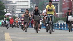 Busy bicycle lane in Chengdu, China Stock Video Footage