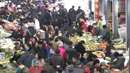 Chinese fruit and vegetable market Stock Video Footage