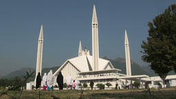 Shah Faisal mosque, Islamabad, Pakistan Stock Video Footage