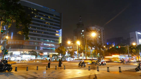 Traffic and people, time lapse in Taipei City 影片素材