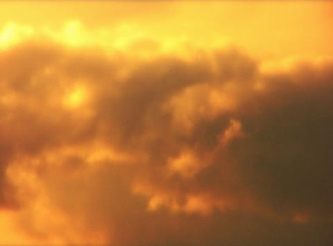 VJLoopH 156 GoldenSunsetCloudscape Footage