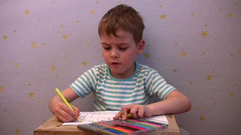 boy show drawing Stock Video Footage