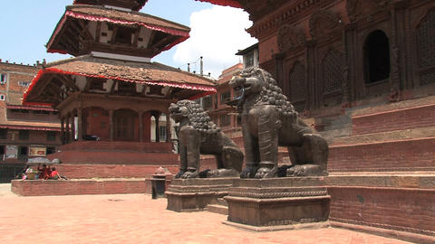 Lions statue in front of a temple Stock Video Footage