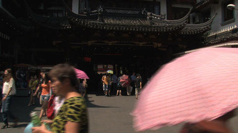 People to rooftop tilt Yuyuan garden Stock Video Footage