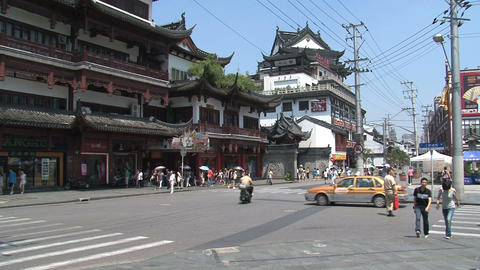 Crossroad near Yuyuan garden Stock Video Footage
