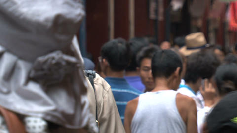 Crowd at the Yuyuan garden Stock Video Footage