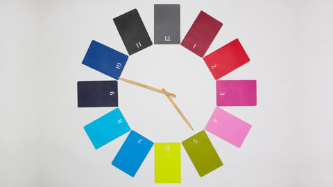 Clock of twelve colored monthly diaries Live Action