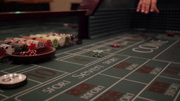 Dice being tossed on a craps table ビデオ