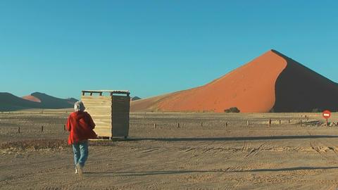 Big red dune at sossusvlei in namibian desert Stock Video Footage