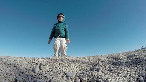 Boy is Jumping outdoors ビデオ