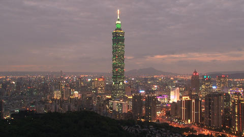 taipei 101 tower timelapse at night Stock Video Footage